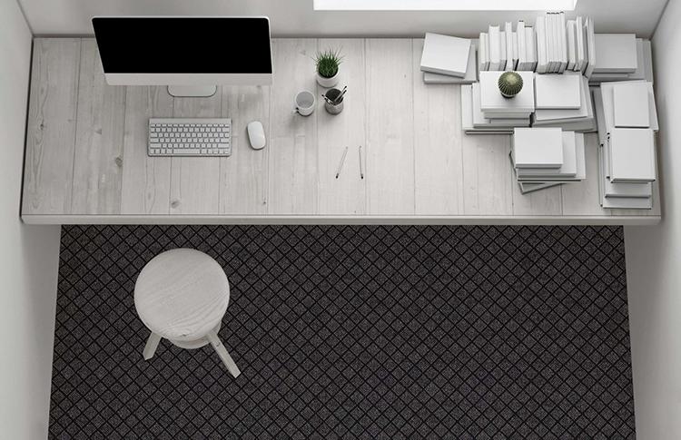 черный ковролин в современном кабинете