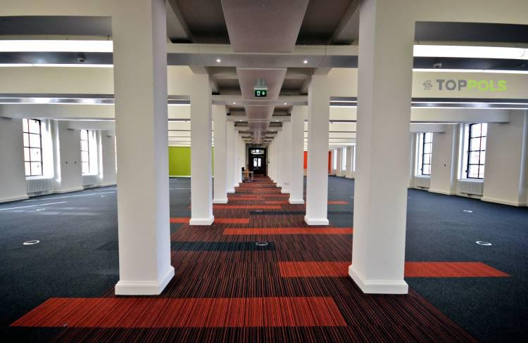 ковровая плитка в холле