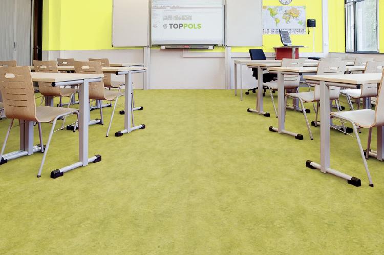 линолеум в учебном классе