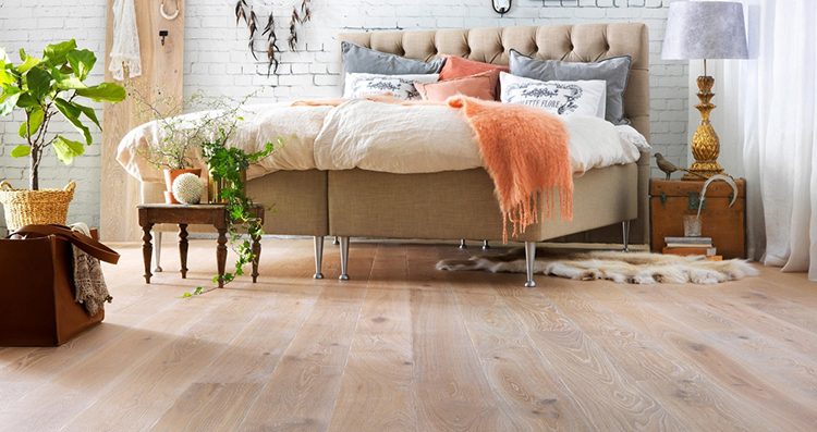 Бамбуковые полы в спальне