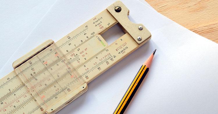 линейка карандаш бумага