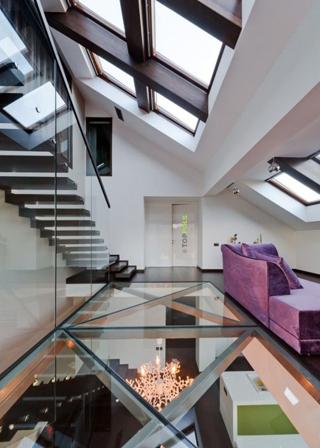стеклянный пол дома